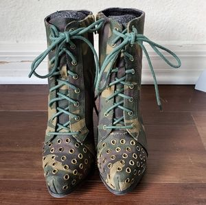 Qupid Stacked Heel Lace Up Camo Ankle Boots